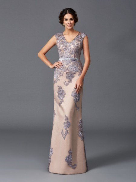 Sheath/Column Straps Applique Sleeveless Long Satin Dresses