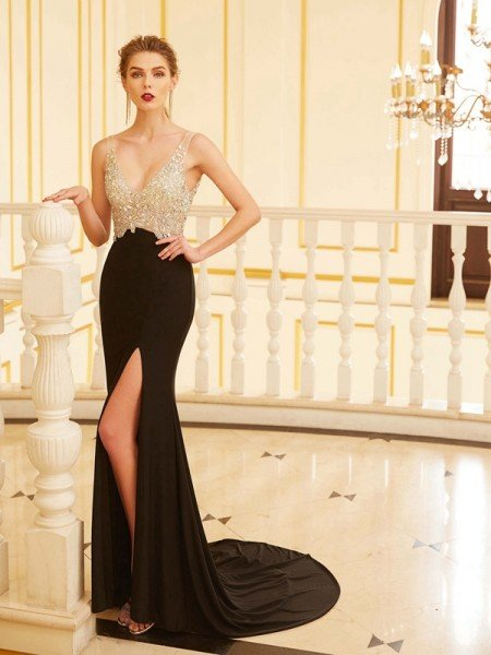 Sheath/Column V-neck Beading Sleeveless Sweep/Brush Train Spandex Dresses