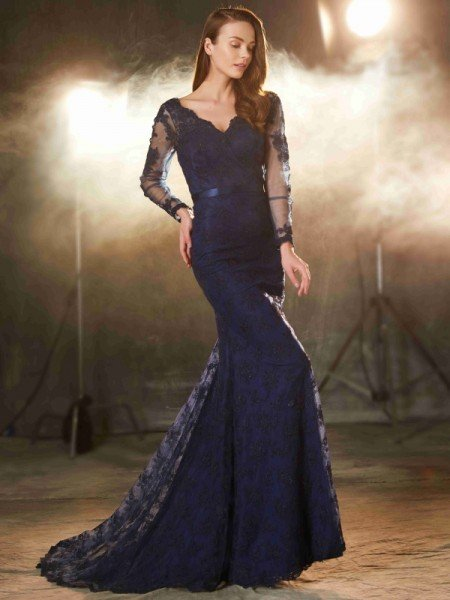 Trumpet/Mermaid V-neck Long Sleeves Applique Sweep/Brush Train Lace Dresses