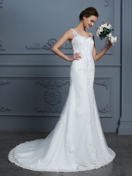 Trumpet/Mermaid V-neck Sleeveless Lace Court Train Tulle Wedding Dresses