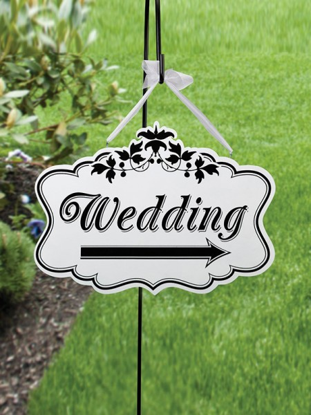 Lovely Wooden Wedding Decorations