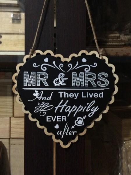 Fascinating Wooden Wedding Decorations