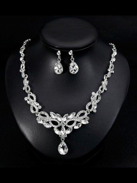 Luxurious Alloy With Rhinestone Jewelry Set For Women