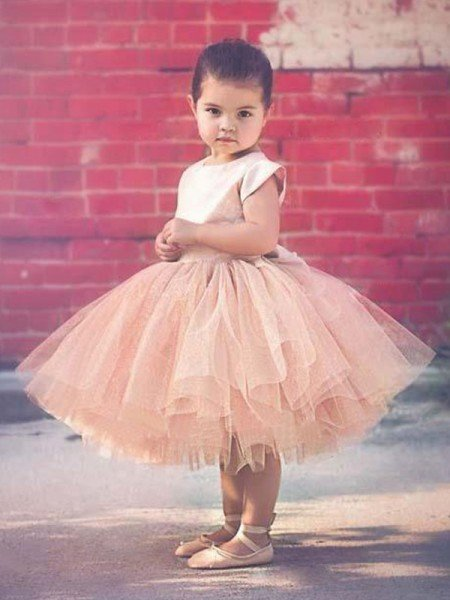 Ball Gown Short Sleeves Scoop Knee-Length Ruffles Tulle Flower Girl Dresses