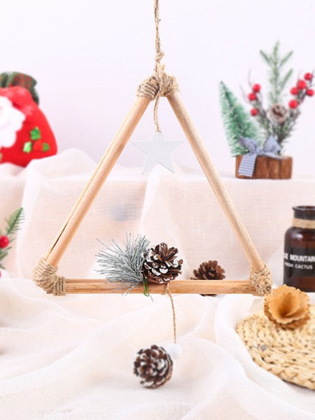 Excellent Wood Triangle Christmas Wreaths