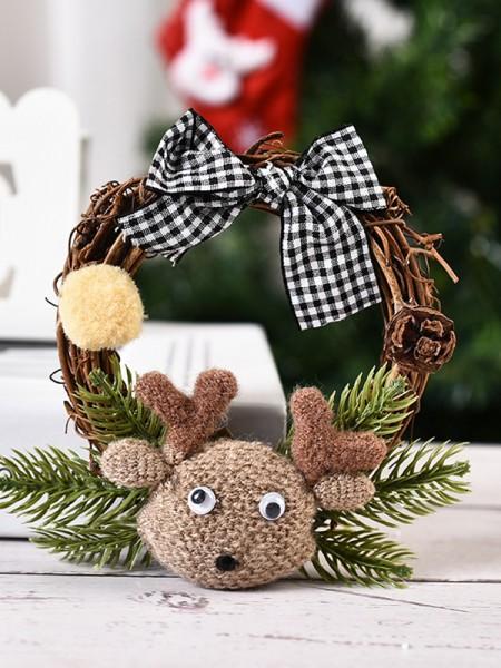 Pretty Good Wood Deer Christmas Wreaths