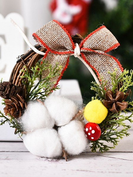 Exquisite Wood Cotton Christmas Wreaths
