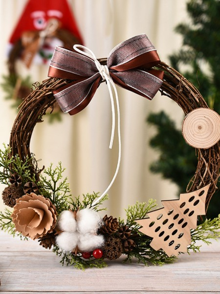 Lovely Wood Cotton Christmas Wreaths