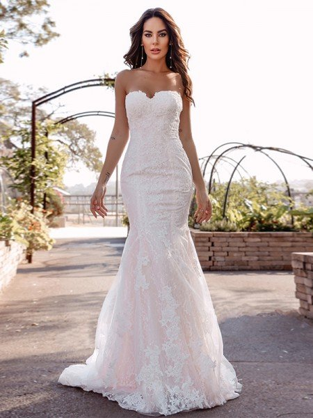 Trumpet/Mermaid Sweetheart Sleeveless Lace Applique Sweep/Brush Train Wedding Dresses
