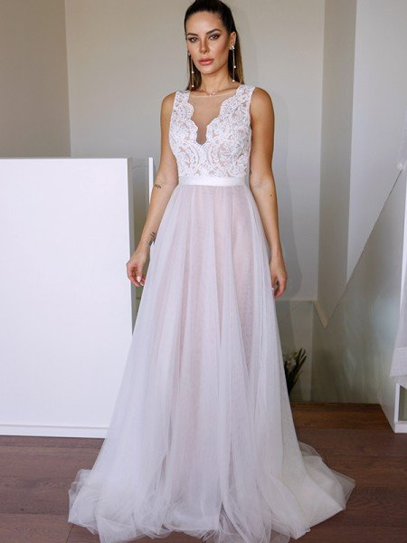 A-Line/Princess Tulle Lace Scoop Sleeveless Sweep/Brush Train Wedding Dresses