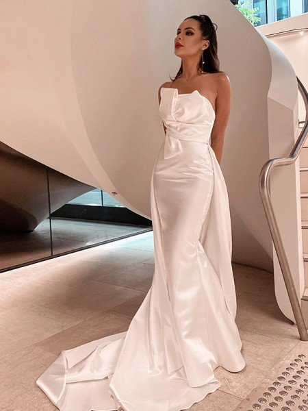 A-Line/Princess Satin Ruched Strapless Sleeveless Court Train Wedding Dresses