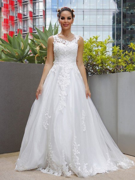 A-Line/Princess Sleeveless Tulle Lace Scoop Sweep/Brush Train Wedding Dresses