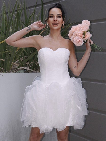 A-Line/Princess Organza Ruched Sweetheart Sleeveless Short/Mini Wedding Dresses