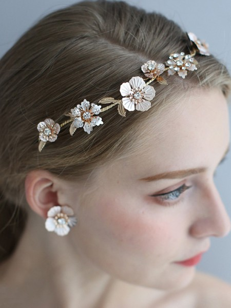 Delicate Alloy With Flower Women's Earrings