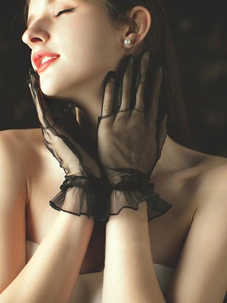 Simple Tulle Wrist Length Wedding Gloves