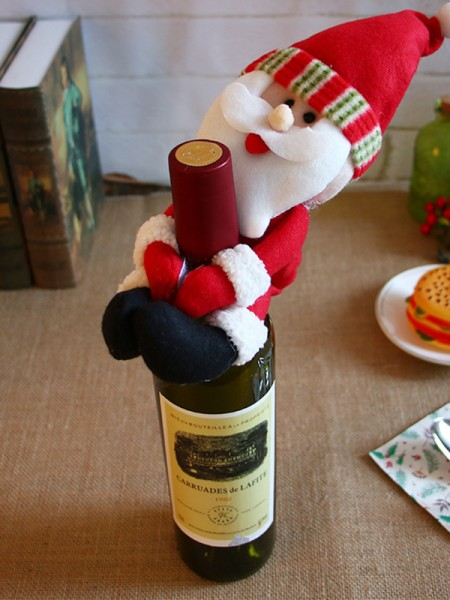 Gorgeous Cloth With Santa Claus Christmas Decoration