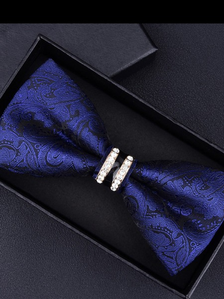 Delicate Floral Polyester Bow Tie