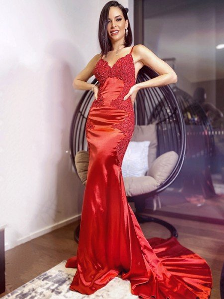 Sheath/Column Silk like Satin Spaghetti Straps Sleeveless Sweep/Brush Train Applique Dresses