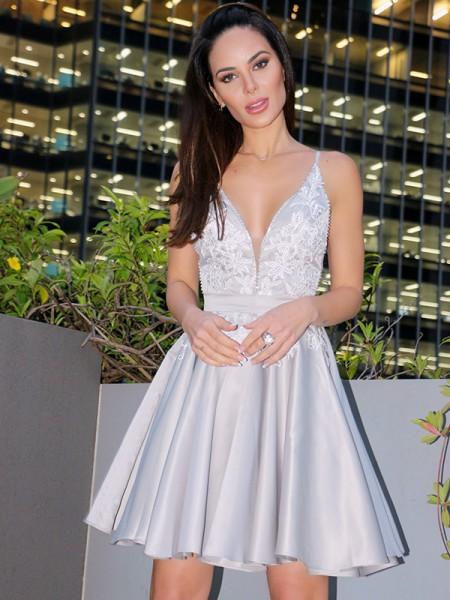 A-Line/Princess V-Neck Sleeveless Satin Applique Short/Mini Homecoming Dresses