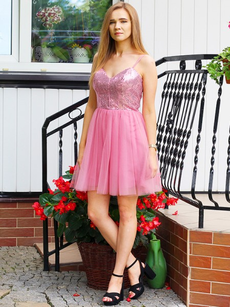 A-Line/Princess Sleeveless Tulle Sequin Spaghetti Straps Short/Mini Homecoming Dresses