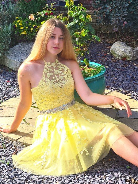 A-Line/Princess Sleeveless Halter Tulle Applique Short/Mini Homecoming Dresses