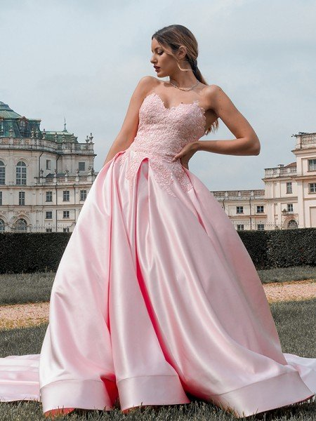 Ball Gown Satin Sweetheart Lace Sleeveless Court Train Dresses