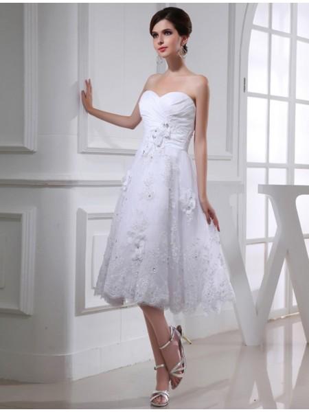 A-Line/Princess Beading Sweetheart Sleeveless Organza Applique Taffeta Wedding Dresses
