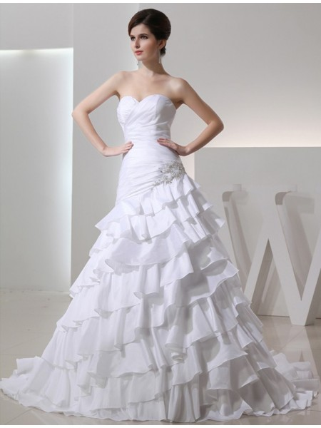 A-Line/Princess Beading Sweetheart Sleeveless Long Taffeta Wedding Dresses