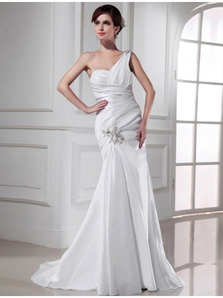 Trumpet/Mermaid One-shoulder Beading Satin Sleeveless Long Wedding Dresses