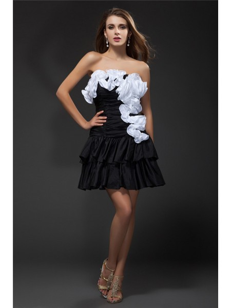 A-Line/Princess Strapless Ruffles Hand-Made Flower Sleeveless Short Taffeta Cocktail Dresses