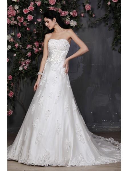 A-Line/Princess Strapless Sleeveless Beading Applique Hand-Made Flower Net Wedding Dresses