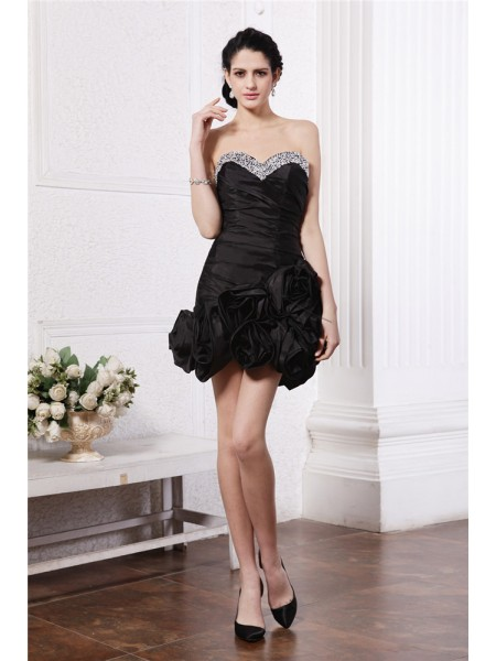 Sheath/Column Sweetheart Sleeveless Beading Pleats Short Taffeta Cocktail Dresses