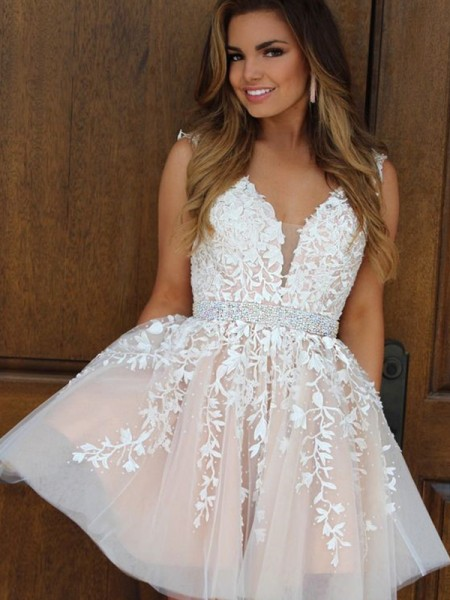 A-Line/Princess V-neck Tulle Applique Sleeveless Short/Mini Dresses