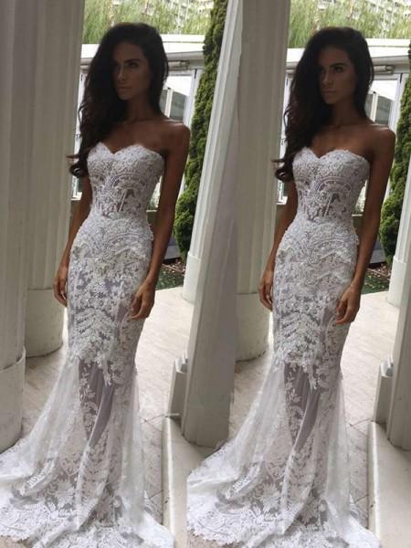 Trumpet/Mermaid Sweetheart Court Train Applique Sleeveless Lace Wedding Dresses