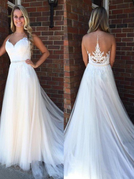 A-Line/Princess Scoop Sleeveless Applique Court Train Tulle Wedding Dresses