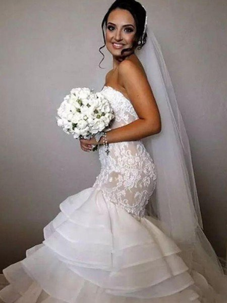 Trumpet/Mermaid Sleeveless Sweetheart Chapel Train Ruffles Applique Lace Organza Wedding Dresses