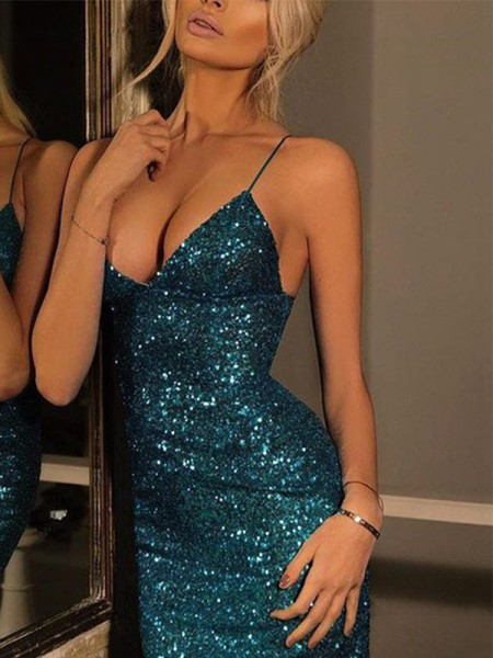 Sheath/Column Spaghetti Straps V-neck Sequin Short/Mini Dresses