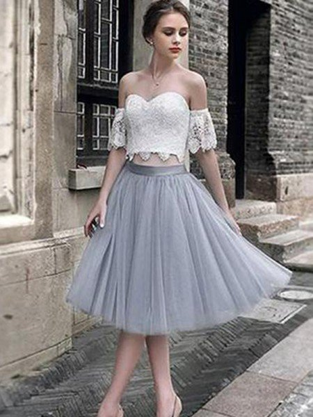 A-Line/Princess Lace Sweetheart Tulle Sleeveless Tea-Length Two Piece Dresses