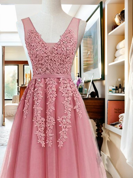 A-Line V-neck Cut Short With Applique Tulle Pink Homecoming Dresses