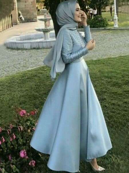 A-Line/Princess Long Sleeves Scoop Floor-Length Beading Satin Muslim Dresses