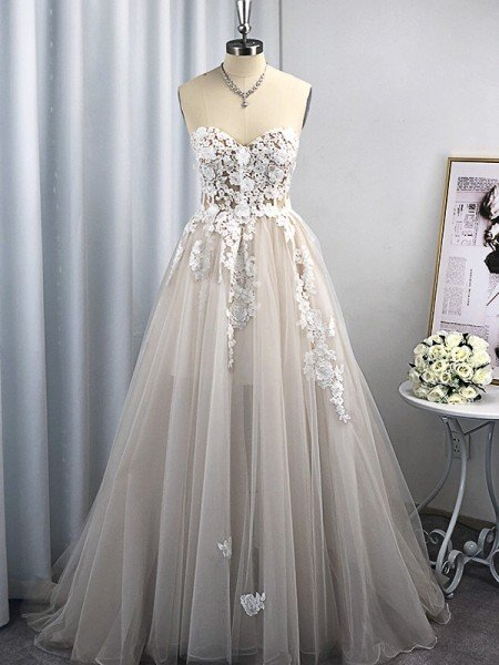 A-Line/Princess Tulle Applique Sweetheart Sleeveless Sweep/Brush Train Wedding Dresses