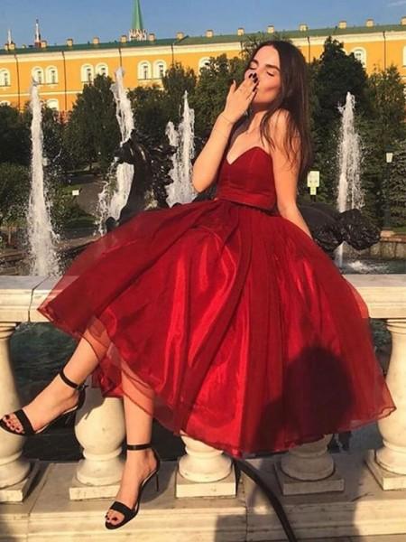 A-Line/Princess Organza Ruffles Sweetheart Sleeveless Tea-Length Homecoming Dresses