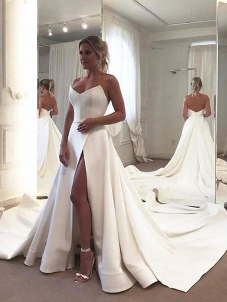 A-Line/Princess Sleeveless Ruffles Sweetheart Satin Court Train Wedding Dresses