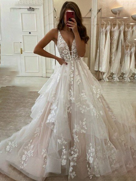 A-Line/Princess Tulle V-neck Sleeveless Applique Sweep/Brush Train Wedding Dresses