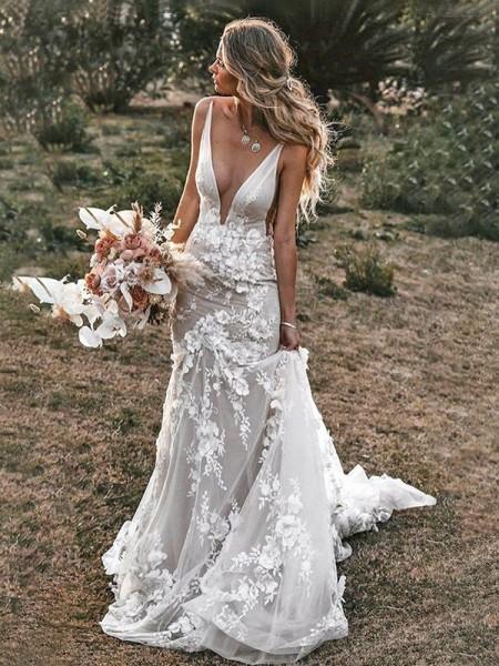 Sheath/Column Tulle Sweep/Brush Train Applique Sleeveless V-neck Wedding Dresses