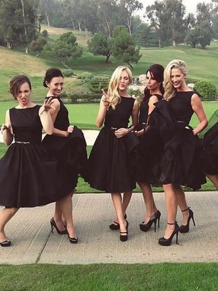 A-Line/Princess Sleeveless Scoop Knee-Length Satin Bridesmaid Dresses