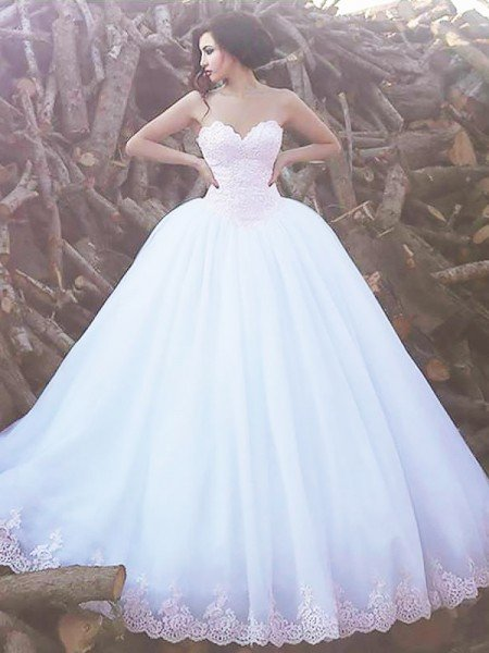 Ball Gown Sleeveless Sweetheart Sweep/Brush Train Organza Wedding Dresses