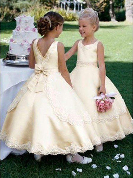 Ball Gown Scoop Sleeveless Bowknot Long Satin Flower Girl Dresses