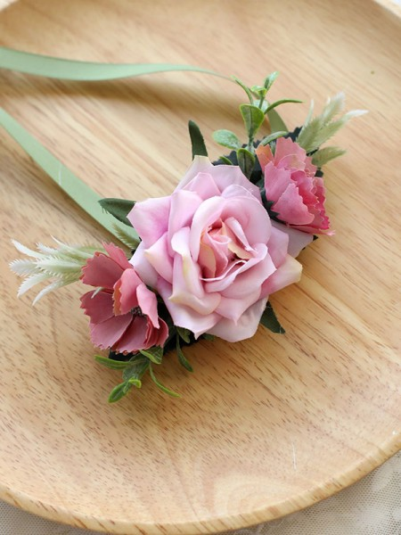 Beautiful Hand-tied Cloth Wrist Corsage