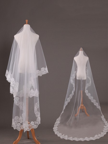 Pretty Tulle With Lace Long Wedding Veils